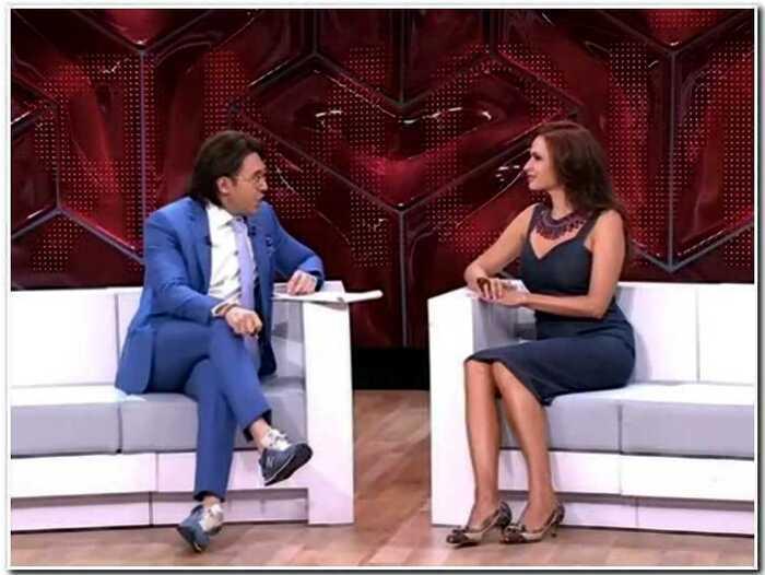 Беременная Эвелина Бледанс устроила драку на шоу Малахова