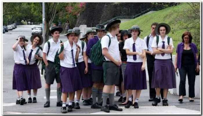 10 фотографий о том, как выглядит школьная форма в разных странах