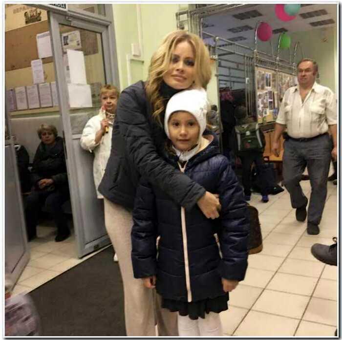 Дана Борисова недовольна тем, что дочь живет у нее, хотя должна жить с отцом