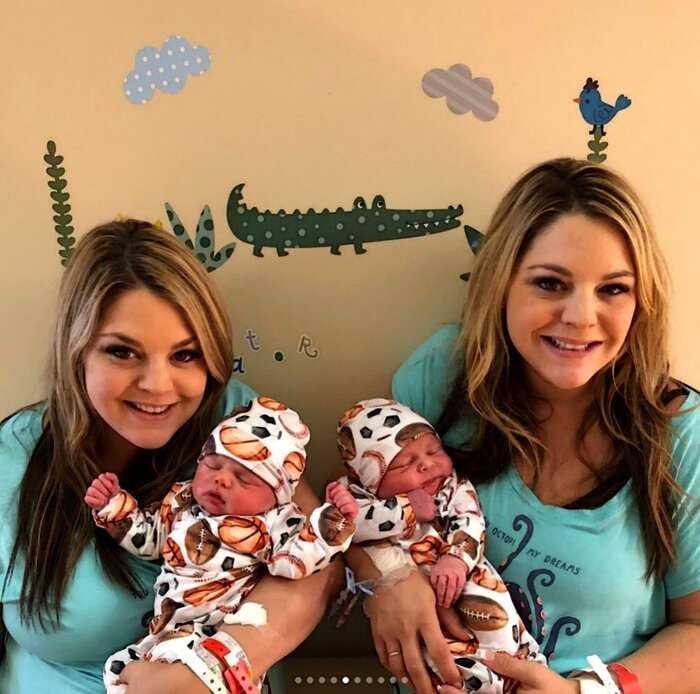 2×2: сёстры-близняшки забеременели и родили малышей в один день