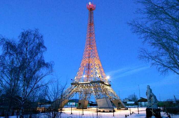 «Увидеть Париж и умереть»: Европейские достопримечательности в российских глубинках