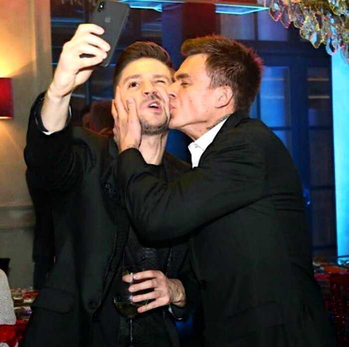 5 российских мужчин, которые обожают целовать других мужчин