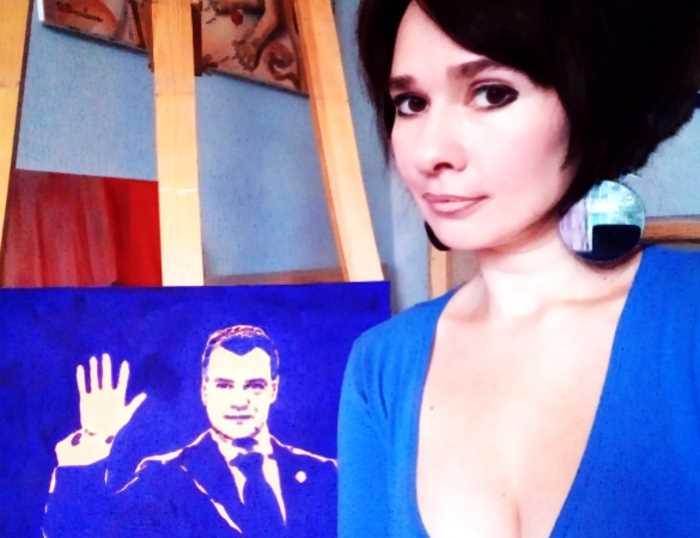 Художница, рисующая грудью, подарила портрет Путину на день рождения
