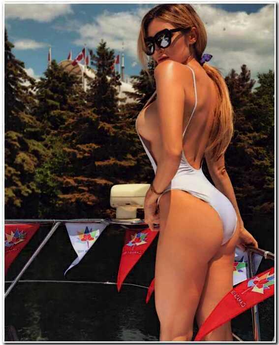 Сексуальная косплеерша Холли Вульф (42 фото)