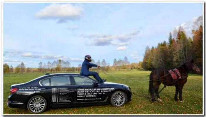 Уставший владелец БВМ нанес все поломки за два года на кузов авто