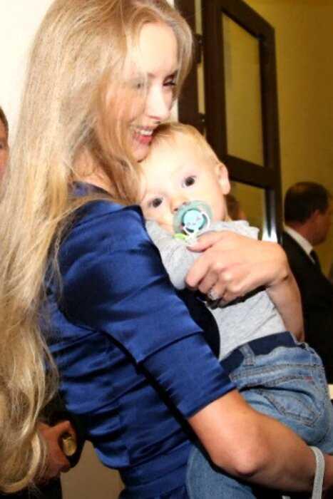 Алена Водонаева раскритиковала жену Градского за рождение ребенка