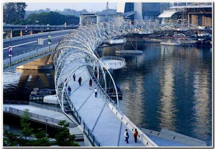 5 уникальных пешеходных мостов, которые создали настоящие гении
