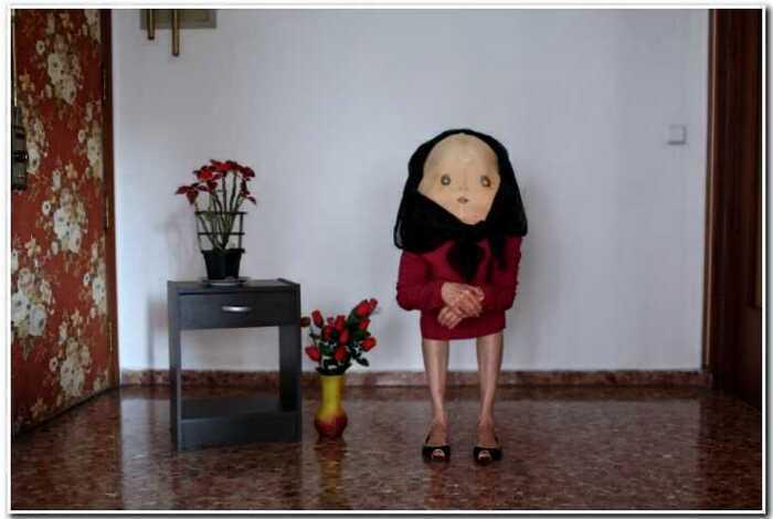 Странный фотопроект испанского фотографа, которые делает из людей непонятных существ