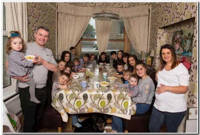 «Как за хлебом»: 43-летняя британка стала мамой в двадцать первый раз