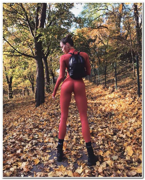 Девушка из Швеции покоряет Инстаграм благодаря своим аномальным ногам