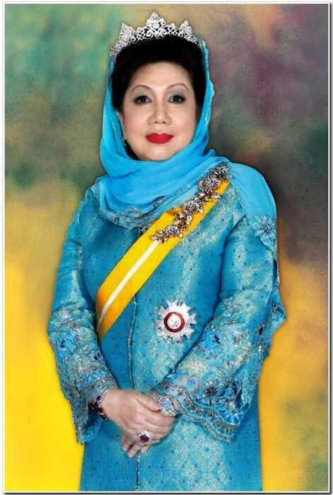 Всплыли грязные тайны вышедшей замуж за короля Малайзии Оксаны Воеводиной