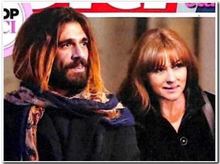 «Он годится ей в сыновья»: Монику Беллуччи поймали на прогулке с новым бойфрендом