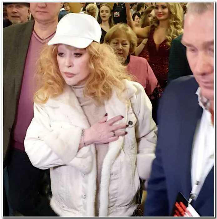 «Годы берут свое»: Пугачева не смогла скрыть сильно постаревшие руки