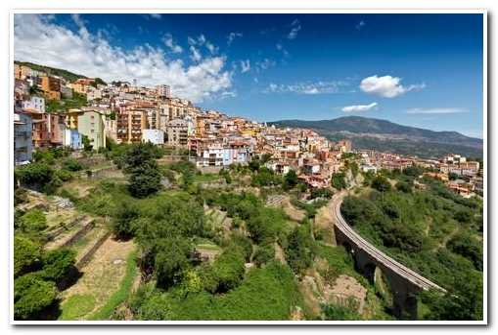 В Италии мэрия продает дома за $1, чтобы привлечь новых жителей