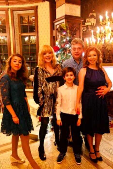 Пугачева отказалась от умопомрачительных гонораров, ради того, чтобы встретить НГ в кругу семьи