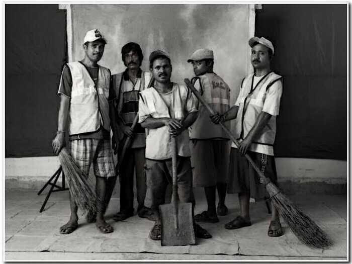 «Рикши, брахманы и чистильщики ушей»: фотограф запечатлел рабочий класс Индии