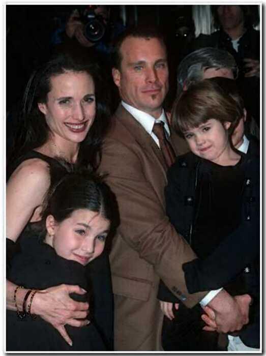 Тихая жизнь вместо звездной карьеры: 10 самых непубличных детей знаменитостей