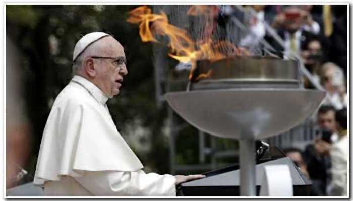"""Папа Франциск: """"Лучше быть атеистом, чем ходить ходить в церковь и презирать окружающих"""""""