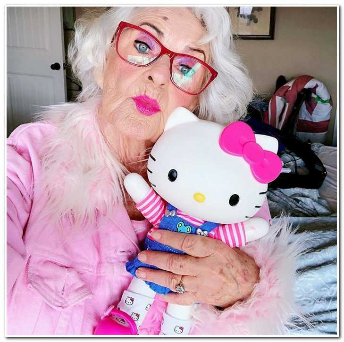 90-летняя бабушка, которая даст фору 20-летним. Вот как, оказывается, может выглядеть старость