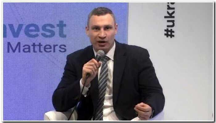 """Мэр Виталий Кличко решил блеснуть английским, но не справился со словом """"digitalization"""""""