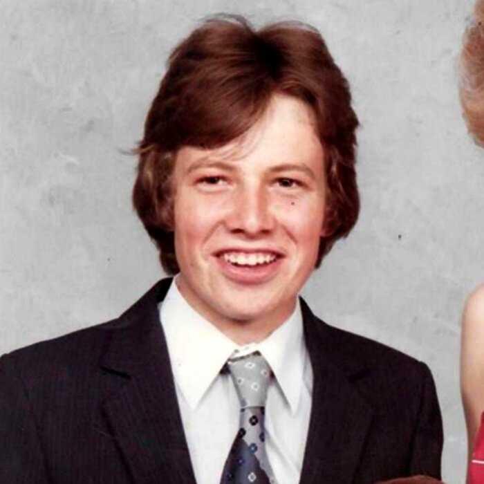 """""""Есть доказательства"""": 52-летний британец заявил, что он сын Принца Чарльза и Камиллы"""