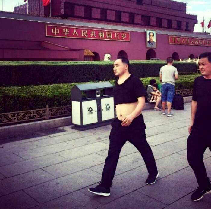 «Пекинское бикини»: новомодный мужской тренд набирает обороты в Китае