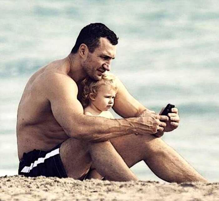 Кличко забрал дочь у бывшей возлюбленной из-за ее подозрительного бойфренда