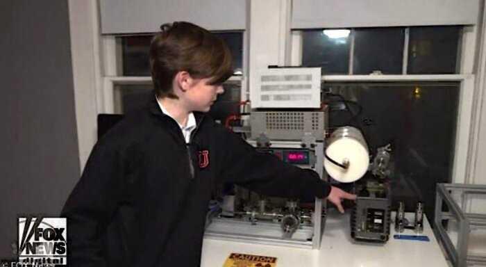 """""""Будущий Эйнштейн"""": в США 12-летний мальчик построил у себя дома ядерный реактор"""