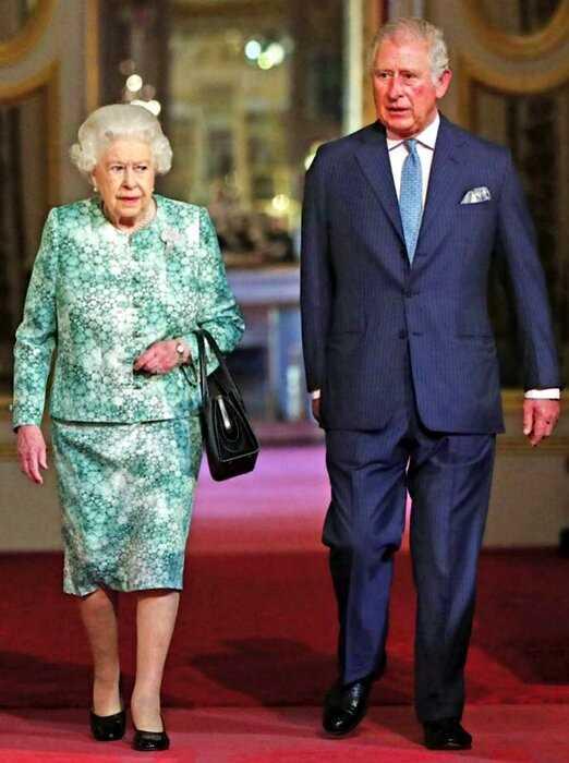 """""""Обойдешься"""": Королева Елизавета II решила не передавать трон Принцу Чарльзу"""