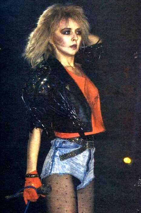 10 интересных фото о том, как выглядели звезды отечественной эстрады в 90-ые