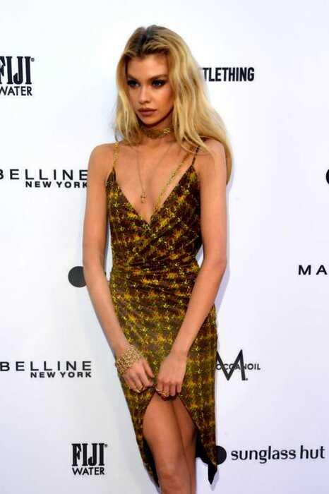 "The Daily Front Row Fashion: знаменитые модели на ""красной дорожке"" модной премии"