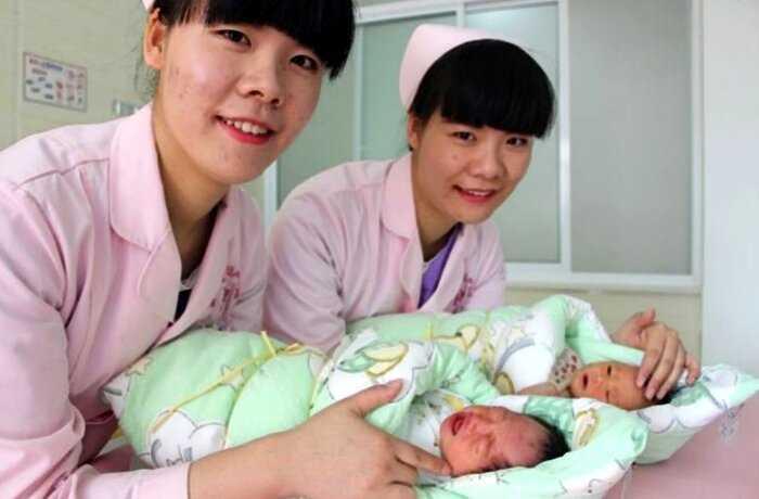 «Уникальный случай»: в Китае родились близняшки… от разных отцов!