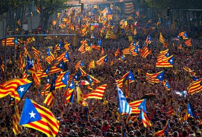 """""""Европейские взгляды"""": В Каталонии Красную Шапочку признали сексистской и запретили везде"""