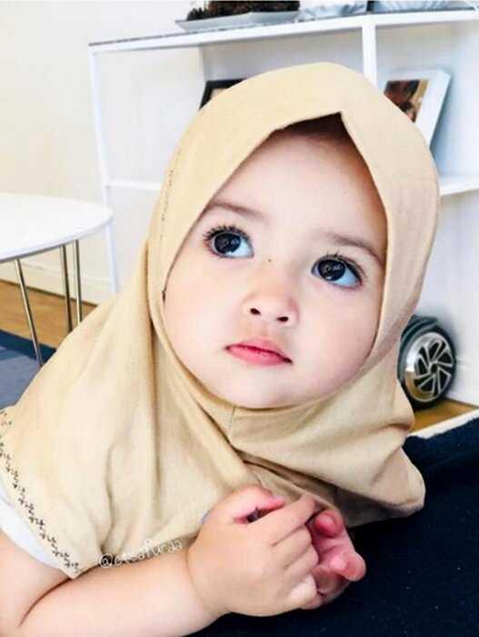 """""""Мама из Малайзии, а папа швед"""": их малышки покорили интернет своей красотой"""