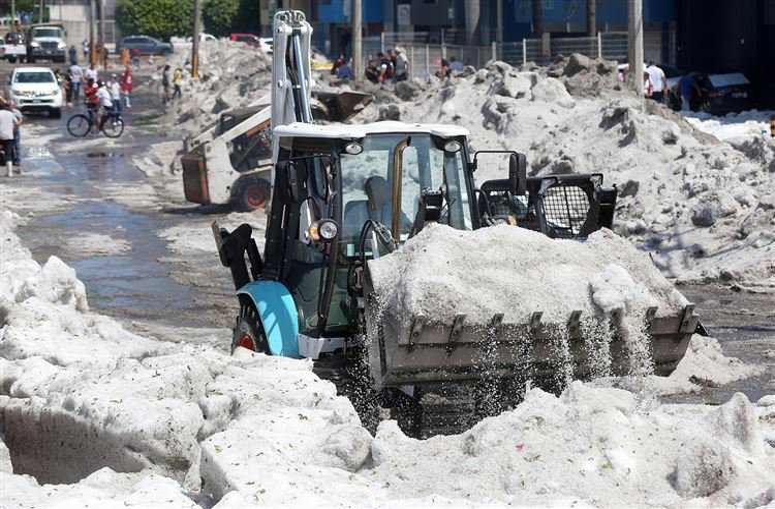 После 30-градусной жары Мексику завалило 2-метровым снегом