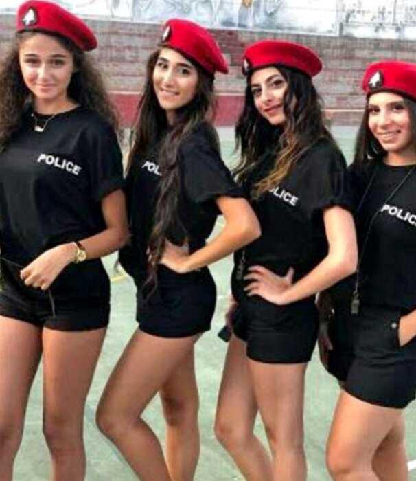 В Ливане мэр приказал полицейским ходить в коротких шортах для привлечения туристов