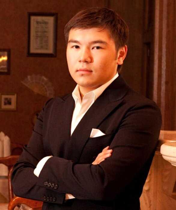 Внука Нурсултана Назарбаева будут судить за то, что он укусил полицейского