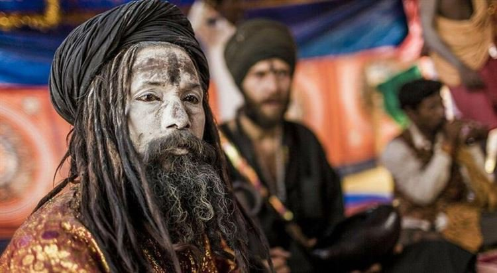 «Плоть, кровь и изгнание»: как живут индийские каннибалы