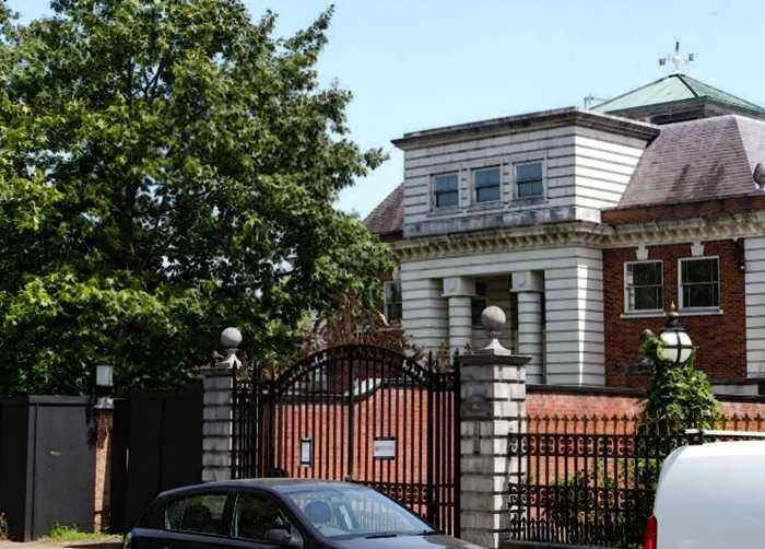 В сердце Лондона гниют огромные шикарные дома. Почему там никто не живет?