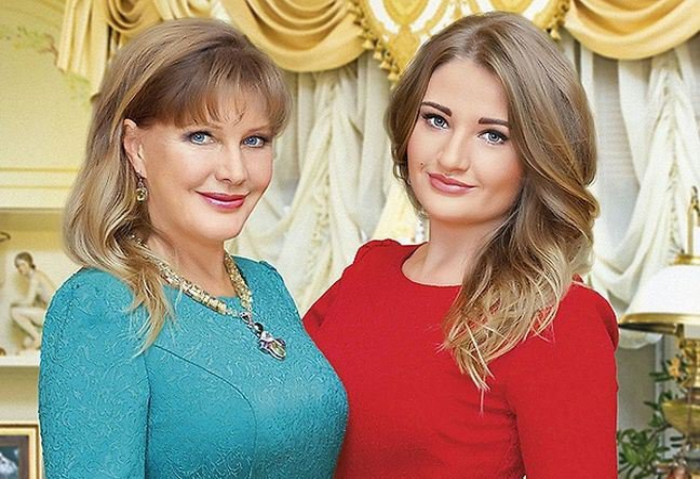 5 российских звездных дочек, которые выглядят старше своих мам