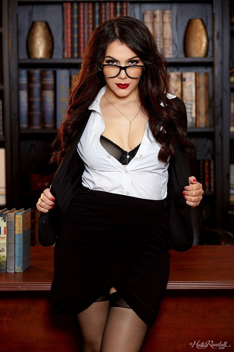 Валентина Наппи в эротической фотосессии (13 фото)