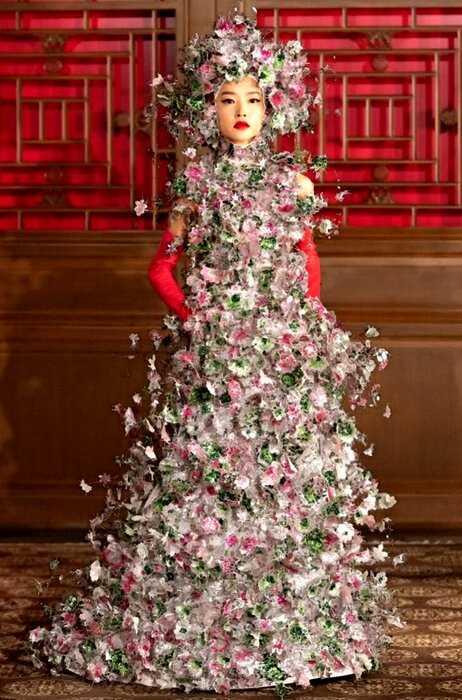 Роскошные образы в духе Ренессанса в новом шоу Valentino