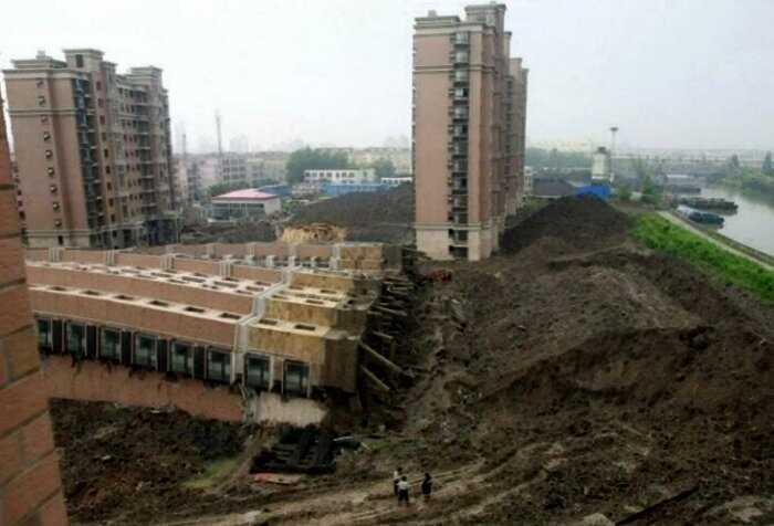 15+ колоритных фото с просторов России, на которых происходит черт знает что