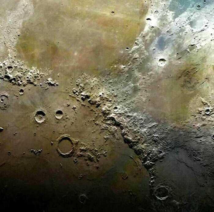 В сети появился невероятный снимок Луны, составленный из 100 тысяч фотографий