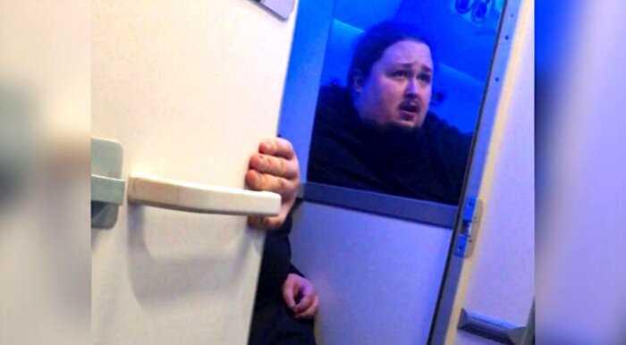 «Я бодипозитивный»: сын Никаса Сафронова, застрявший задом в унитазе, отказался худеть