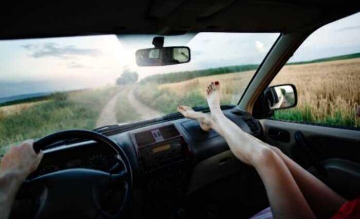 Рентген показал, что может случиться, если вы закидываете ноги на панель авто