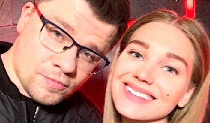 Харламов резко ответил на обвинения в фэйковом разводе с Асмус