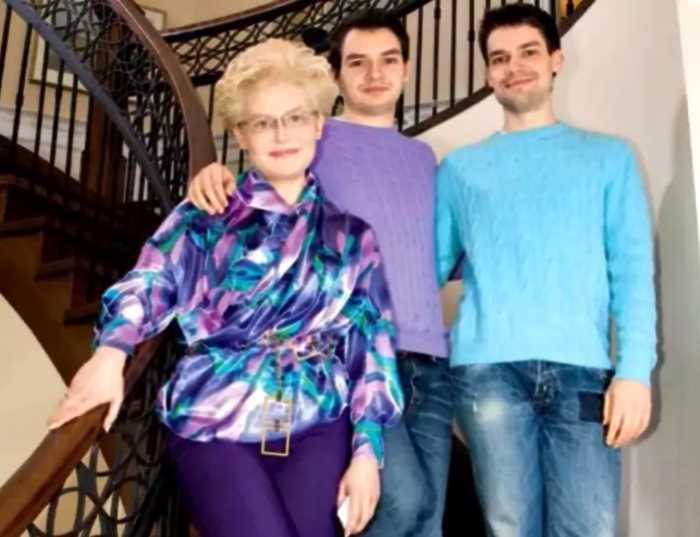 Елена Малышева была замечена в самолёте, выполнявшим рейс из Москвы в Нью-Йорк