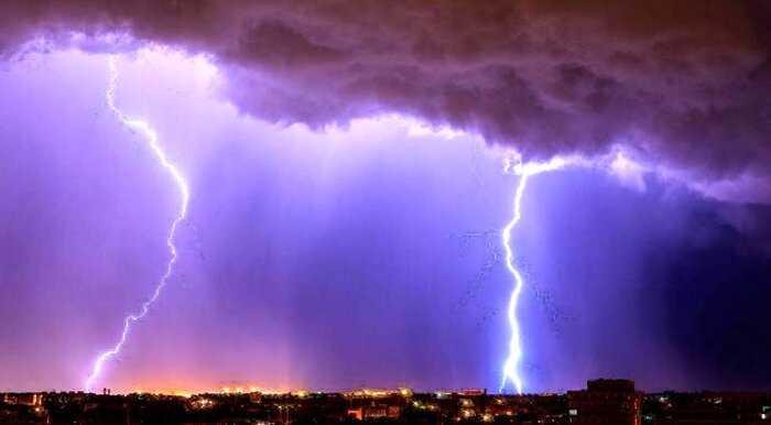 Два мощных удара молнии установили новые мировые рекорды