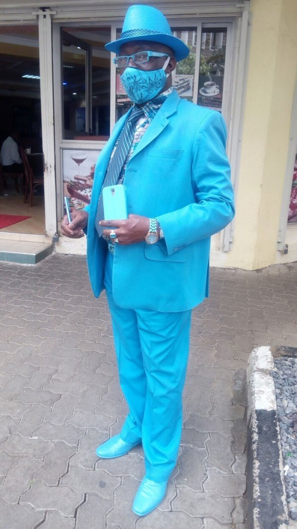 Безвкусица или икона стиля? Как выглядит самый стильный мужчина в Африке